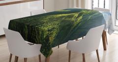 Yeşil Masa Örtüsü Dağ Manzaralı Doğada Huzur Temalı