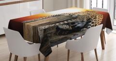 Gün Batımında Dinlenen Leoparlı Masa Örtüsü Turuncu