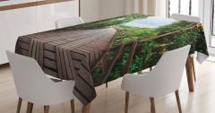Doğada Yolculuk Temalı Masa Örtüsü Ahşap Köprü Yeşil