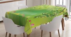 Yeşil Masa Örtüsü Renkli Laleler Ağaç Doğa Bahar