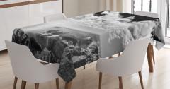 Göl Kenarı Manzaralı Masa Örtüsü Sisli Gün Doğumu