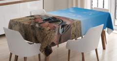 Nostaljik Masa Örtüsü Çölde Terk Edilmiş Paslı Araba