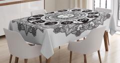 Güneşli Oniki Burç Desenli Masa Örtüsü Siyah Beyaz