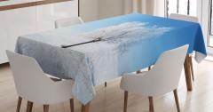 Beyaz Masa Örtüsü Yalnız Ağaç Manzaralı Kış Mavi