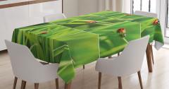 Uğur Böceği Desenli Masa Örtüsü Yeşil Turuncu Doğa