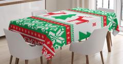 Geyik Kar ve Ağaç Desenli Masa Örtüsü Yeşil Kırmızı