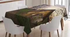 Terk Edilmiş Ev Temalı Masa Örtüsü Yeşil Ağaç Doğa