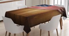 Kahverengi Ahşap Temalı Masa Örtüsü ABD Bayraklı