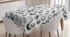 Daire Desenli Masa Örtüsü Siyah Beyaz Şık Tasarım