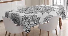 Çiçek Desenli Masa Örtüsü Siyah Beyaz Şık Tasarım