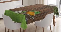 Ahşap Çit ve Bahçe Manzaralı Masa Örtüsü Kahverengi