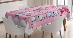 Çocuklar İçin Masa Örtüsü Çizgi Kedi Temalı Pembe