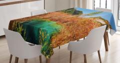 Dağların Arasındaki Göl Desenli Masa Örtüsü Orman