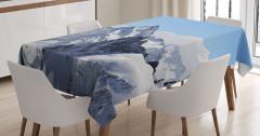 Karlı Kayalık Dağlar Desenli Masa Örtüsü Bulutlu