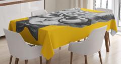 Papyonlu ve Gözlüklü Kedi Masa Örtüsü Dekoratif