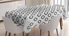 Siyah Beyaz Geometrik Desenli Masa Örtüsü Kareli Şık