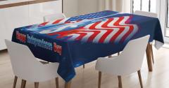 Bayrak Sallayan Köpek Desenli Masa Örtüsü Amerikan