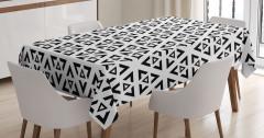İç İçe Ters Üçgenler Masa Örtüsü Geometrik