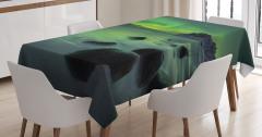 Kayalar ve Kuzey Işıkları Masa Örtüsü Yeşil Gökyüzü