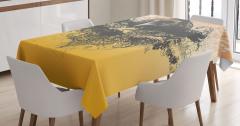 Yuvasında Dinlenen Karga Desenli Masa Örtüsü Şık