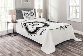 Ornate Floral Wreaths Bedspread