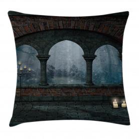 Mittelalterliches Schloss in der Nacht Kissenbezug