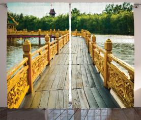 Holzbrücke Reisen Vorhang