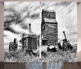 Alter Traktor der Weinlese 60s Vorhang