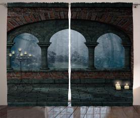 Mittelalterliches Schloss in der Nacht Vorhang