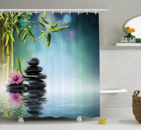 Hibiskus-Bambus auf Wasser Duschvorhang