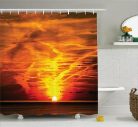Sonnenuntergang über Horizont-Meer Duschvorhang
