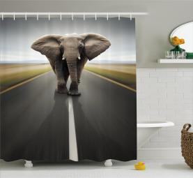 Wildes Tier auf der Autobahn Duschvorhang