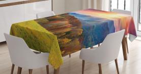 Berge in der Herbstsaison Tischdecke
