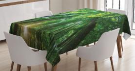 Vibrierende Sonnenstrahlen und Bäume Tischdecke