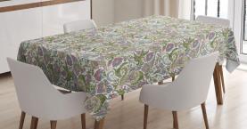 Persergurken verziert Tischdecke