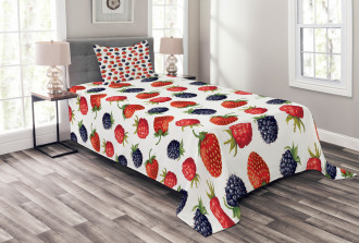 Strawberries Raspberry Bedspread Set