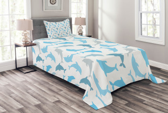 Jumping Dolphin Figures Bedspread Set