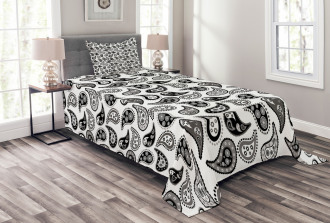 Different Flowers Forms Bedspread Set