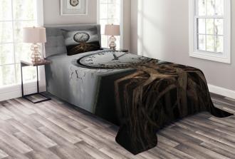 Clock Surrealist Symbol Bedspread Set