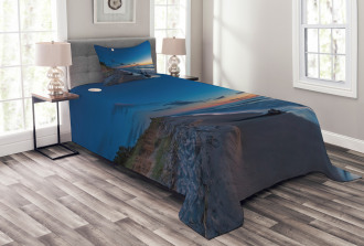 The Moon in the Sky Lake Bedspread Set