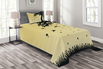Tree with Falling Leaves Bedspread Set