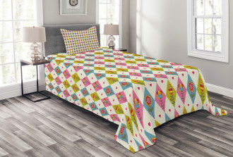 Geometric Tulips Pattern Bedspread Set