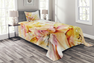 Lilies Flowers Buds Bedspread Set