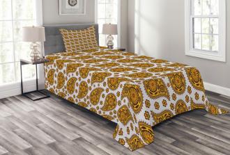 Golden Paisley Shapes Bedspread Set