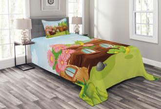 Worms in Wooden Tree Bedspread Set