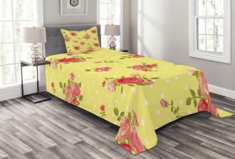 Old Fashioned Feminine Bedspread Set