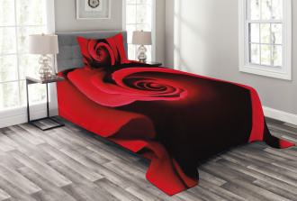Swirled Petals Red Blossom Bedspread Set
