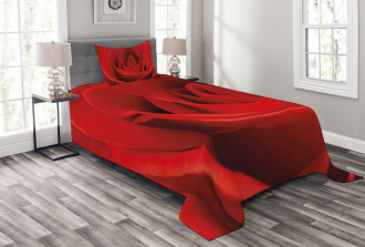 Natural Beauty Red Blossom Bedspread Set