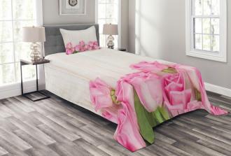Flowers on Wood Planks Bedspread Set