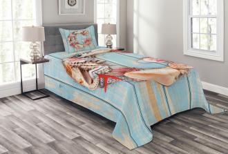 Pale Wooden Background Bedspread Set